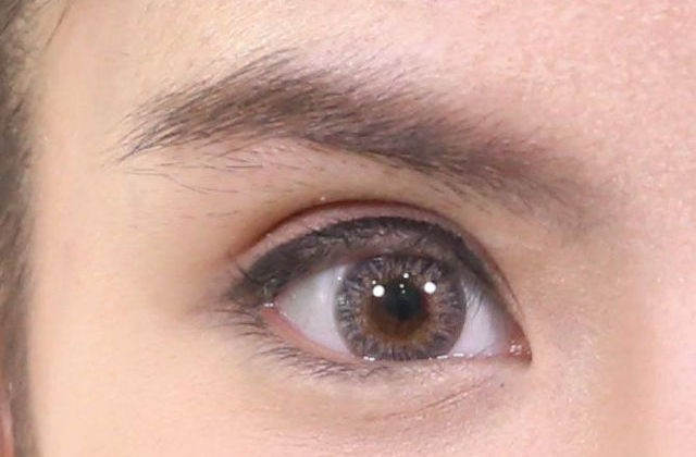 การทำตาสองชั้นให้สวยดูดีอย่างเป็นธรรมชาติ